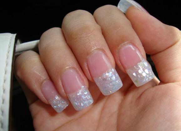 Pose ongle résine : tendance moderne dans la beauté des mains